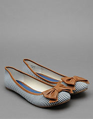 Bank Suri Stripe Pump