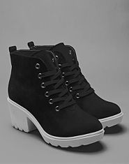Bank Contrast Sole Boots